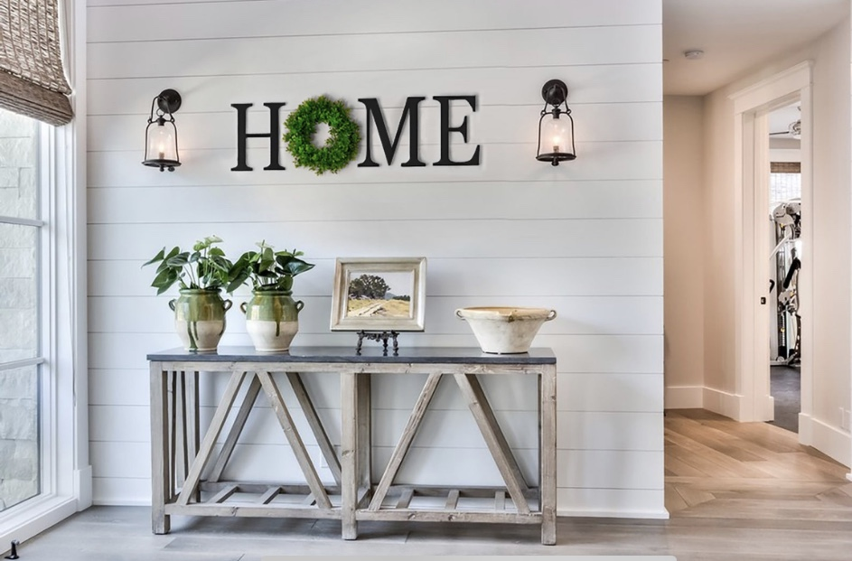 home letters with wreath homepage