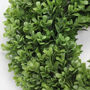 12 Inch Boxwood Wreath closeup